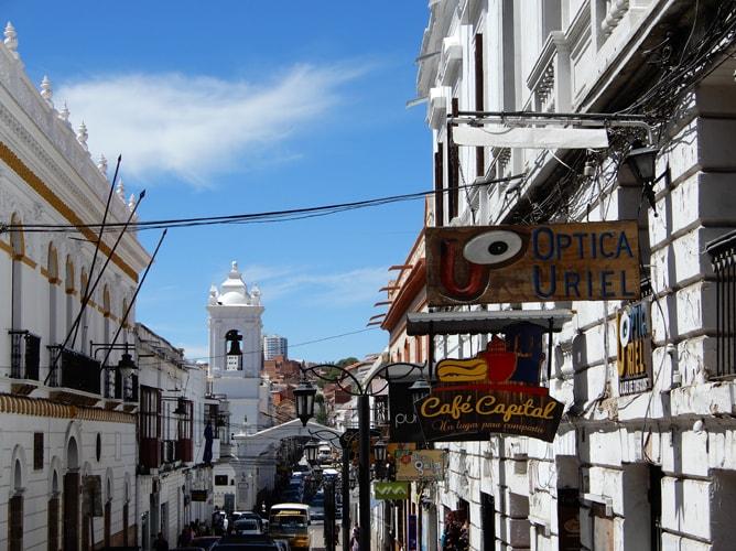 ボリビアの世界文化遺産「古都スクレ」のモダンな街並み