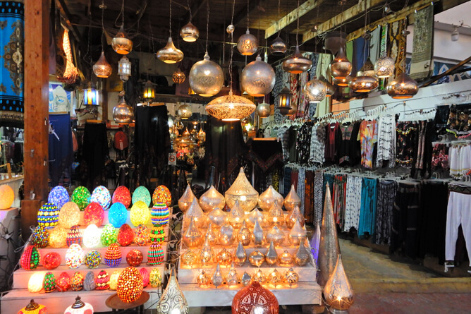 色鮮やかで美しいエジプシャンランプが買えるお店