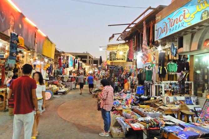 ダハブのストリートマーケットの様子