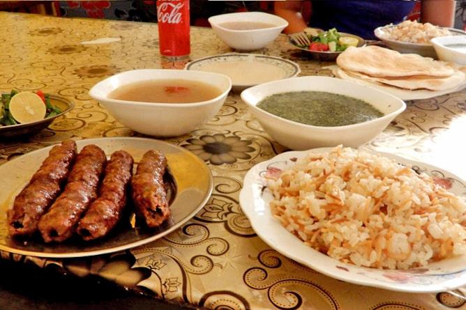 エジプト・ダハブの人気レストラン「El Sharkawy」の食事
