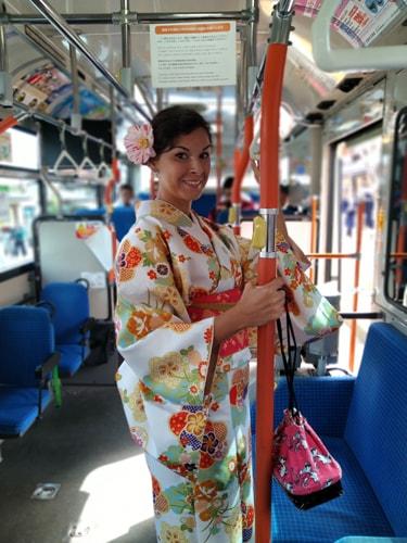 着物を着て京都嵐山界隈を市バスで散策