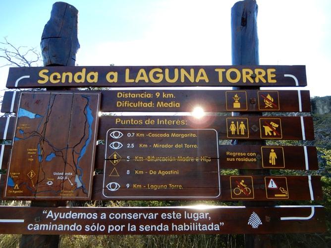 エル・チャルテンからトーレ湖(Laguna Torre)へのトレッキングコース案内図
