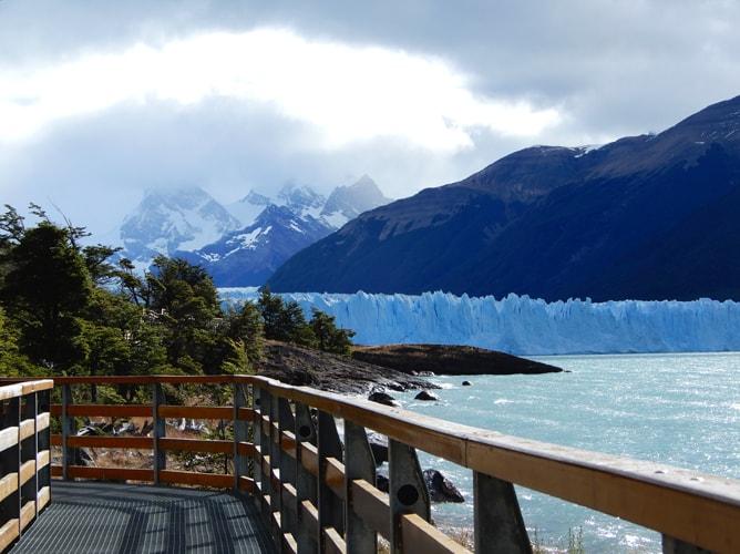 ペリトモレノ氷河へのアクセスは驚くほど良い