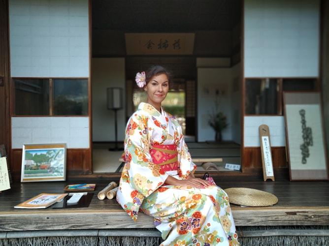 京都・落柿舎に映える着物 2019年3月8日撮影
